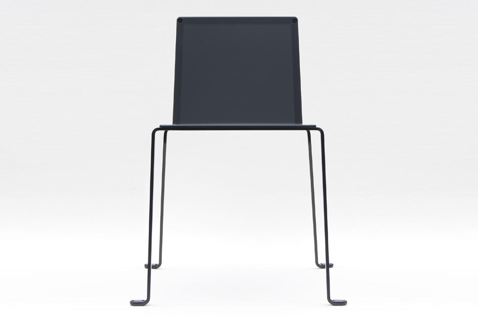 chaise design extérieur indoor outdoor minimaliste en acier coloris noir satin